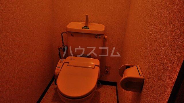 ラ・セゾン富士 201号室のトイレ