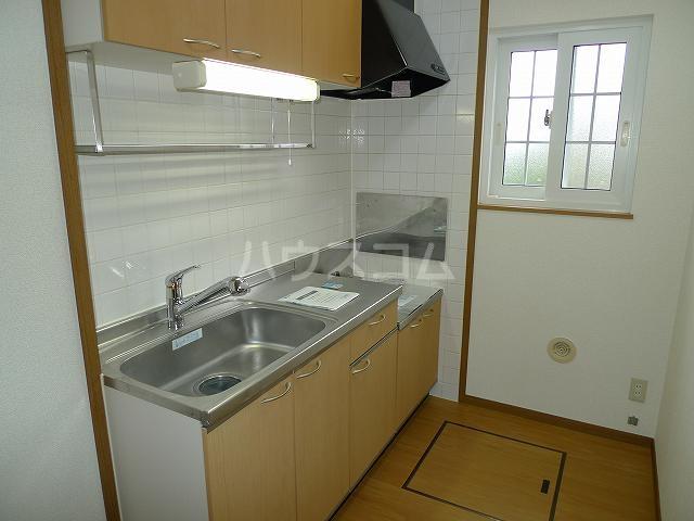 ア・ラ・モードエム 01010号室のキッチン