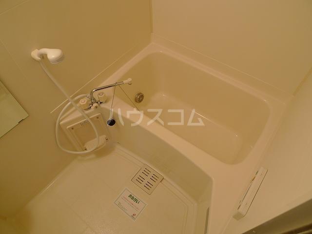 ア・ラ・モードエム 01010号室の風呂