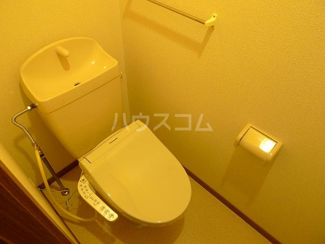 ア・ラ・モードエム 01010号室のトイレ
