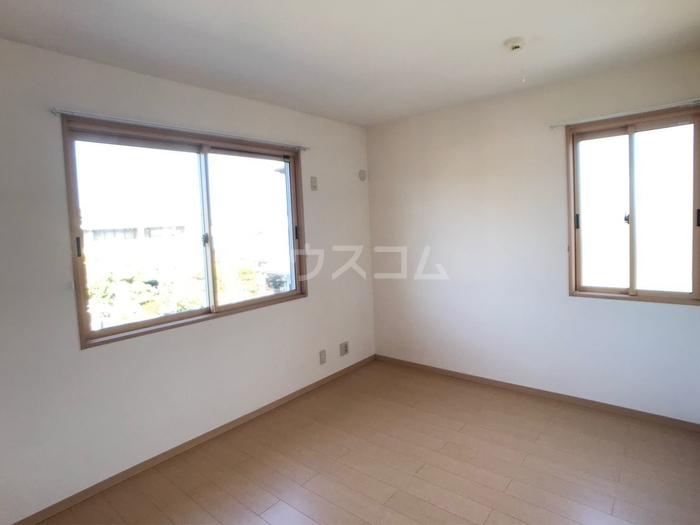 ライオンハーテッド(大平町富田) 201号室の洗面所