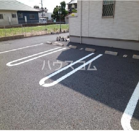 ドゥマン クレールⅠ 02010号室の駐車場