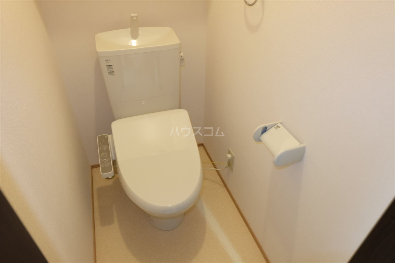 Riverain Ⅲ(リバレイン) 105号室のトイレ