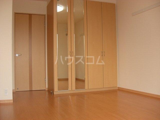 ふらわ~ガーデン・波崎B 203号室の居室