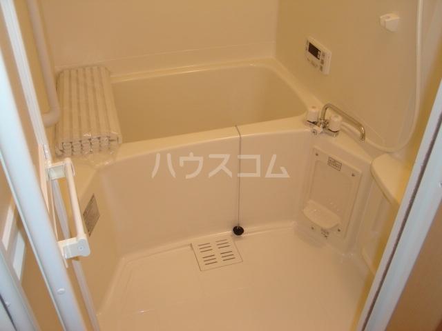 エスポアールB 206号室の風呂