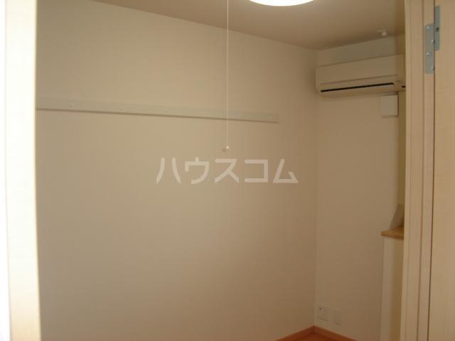 エスポアールB 206号室の居室