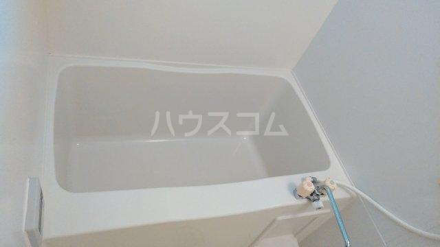 リロイコア WEST 201号室の風呂