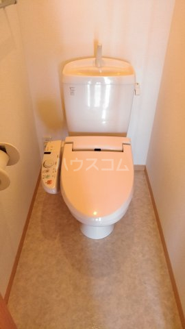 リロイコア WEST 201号室のトイレ
