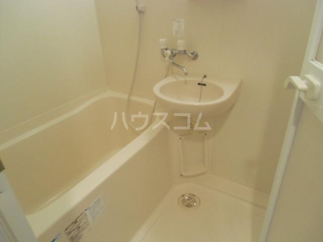 CUBIC Square 107号室の洗面所