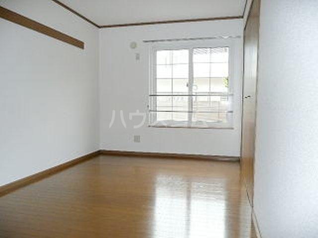 カーサ ラウレールⅠ 01020号室の居室