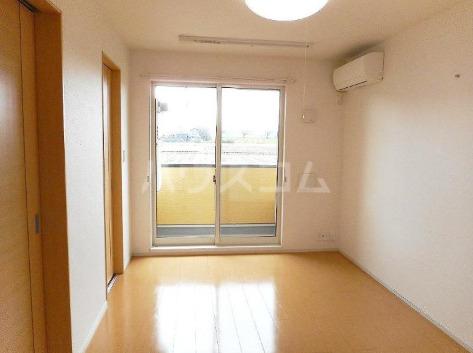 チャオ ジェノバ 01030号室のリビング