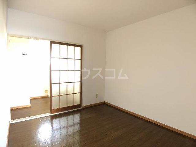 シーズ桜B 01010号室の居室