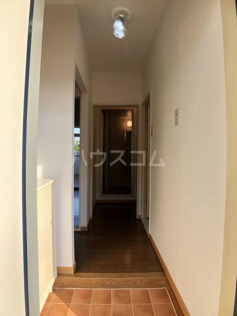 シーズ桜B 01010号室の玄関