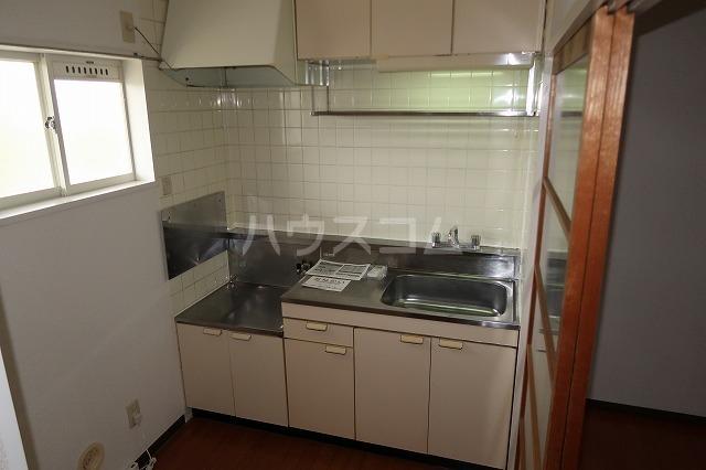 シーズ桜B 01010号室のキッチン