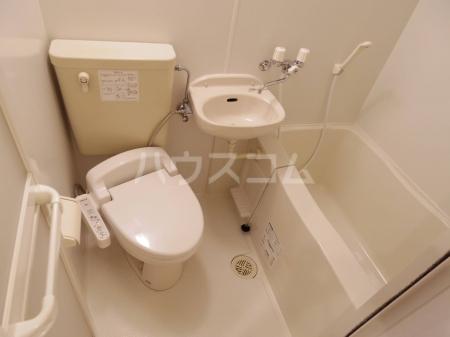 D-Room KASUGA 101号室のトイレ