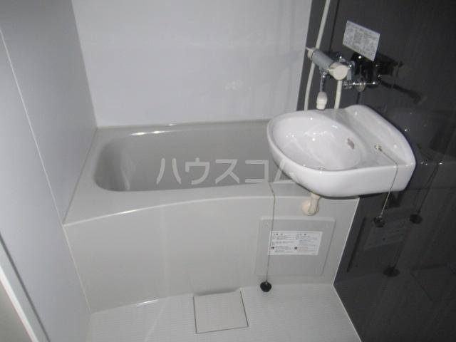 プライムテラス登戸A棟 105号室の風呂