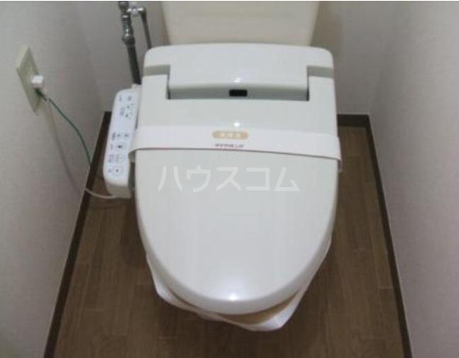 セジュール東台B 103号室のトイレ
