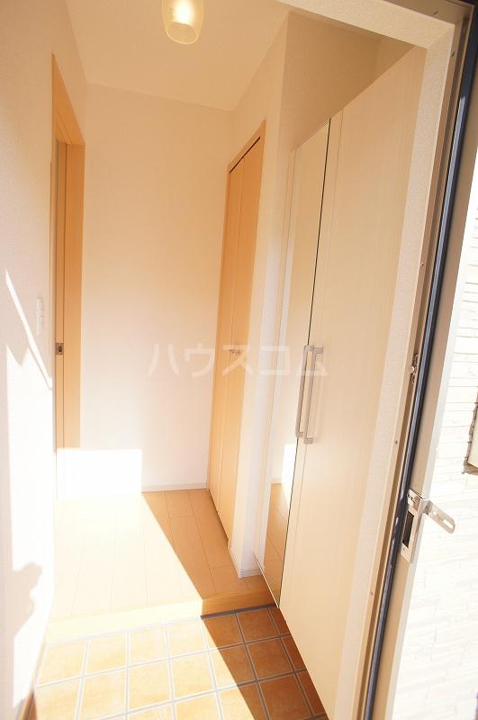 K's・リーフ 01010号室の玄関