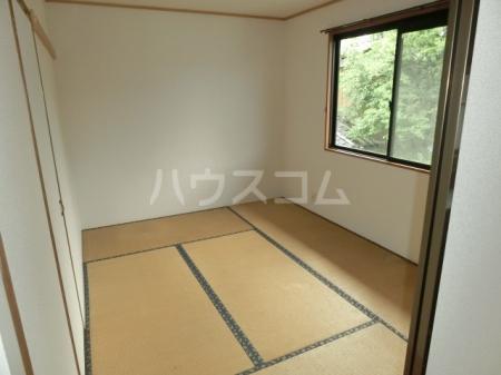 メープルハイム A 201号室の居室