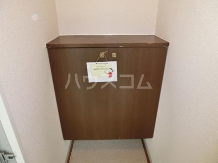 メープルハイム A 201号室の玄関
