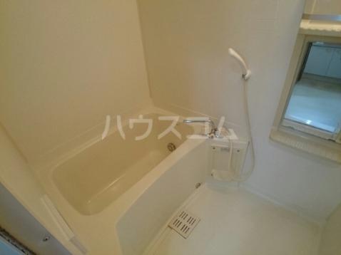 ボヌール・ポエームA 01030号室の風呂