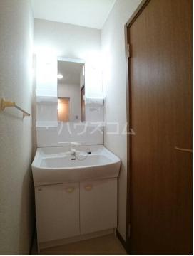 ボヌール・ポエームA 01030号室の洗面所