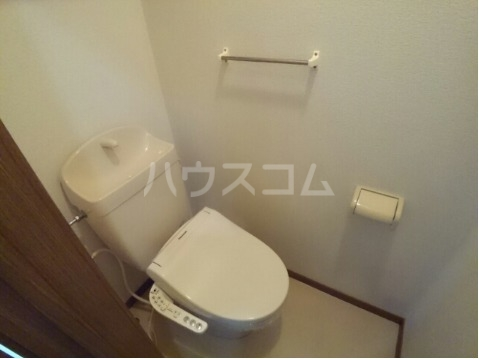 ボヌール・ポエームA 01030号室のトイレ