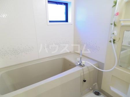 エルクレール D 102号室の風呂
