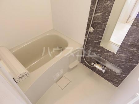 ヴァンヴェール 102号室の風呂