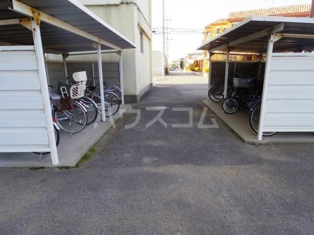 栄マンション 205号室の駐車場