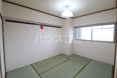 栄マンション 205号室の居室