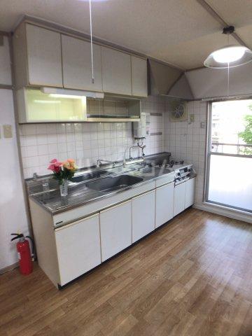 戸頭第一住宅12号棟 402号室のキッチン