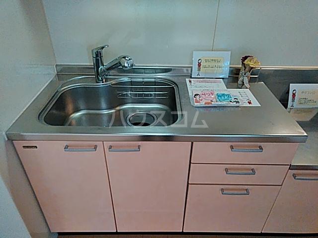 カサベルデ B 101号室のキッチン