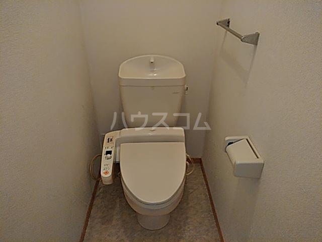 カサベルデ B 101号室のトイレ