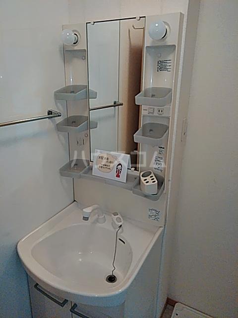 カサベルデ B 101号室の洗面所