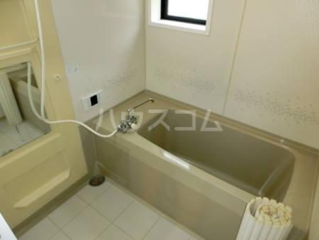 ハイカムール東台 A 101号室の風呂