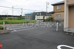 シエルおおつ野 Aの駐車場
