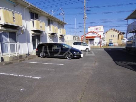 ライトハウス Ⅱ 105号室の駐車場