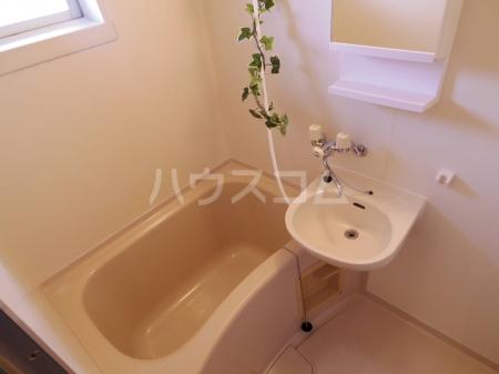ライトハウス Ⅱ 105号室の風呂
