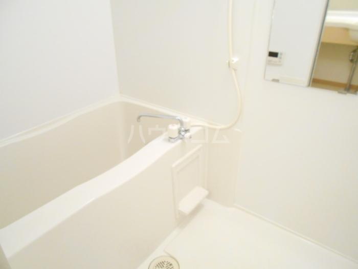 シャルマンⅢ F 102号室の風呂