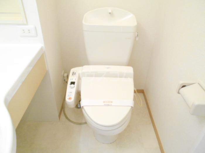 シャルマンⅢ F 102号室のトイレ