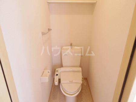 ダイヤファースト天久保 106号室のトイレ