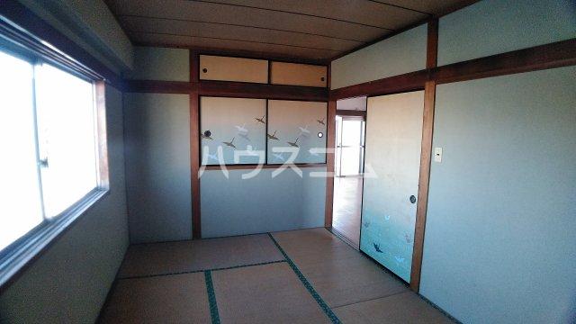 神立共同ビル 302号室の居室