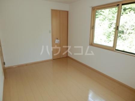 ボヌールB 202号室の居室