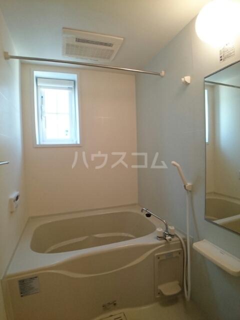 プリムローズ 01030号室の風呂