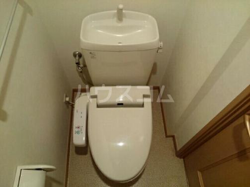 ボヌールフォンテーヌ 03010号室のトイレ