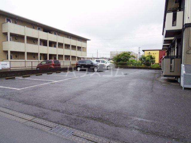 セジュール久津見 202号室の駐車場