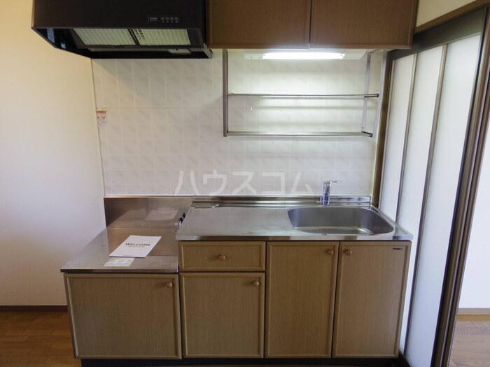 セジュール久津見 202号室のキッチン