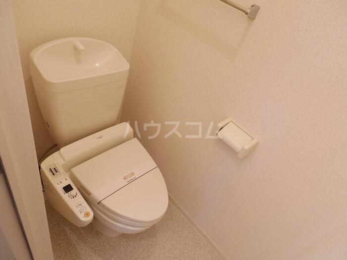 フラワーハイム 103号室のトイレ