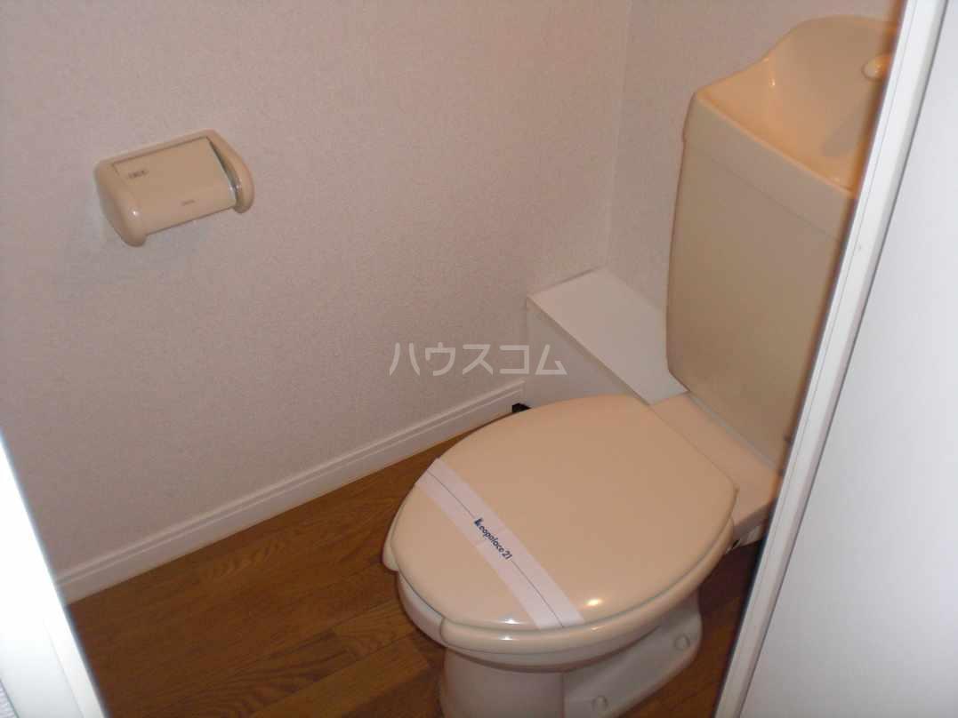 レオパレスN 104号室のトイレ